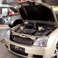 Desimones Auto Body And Air Conditioning Repair